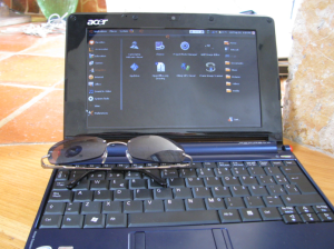 Tiny hard at work backing up with Ubuntu Netbook remix installed